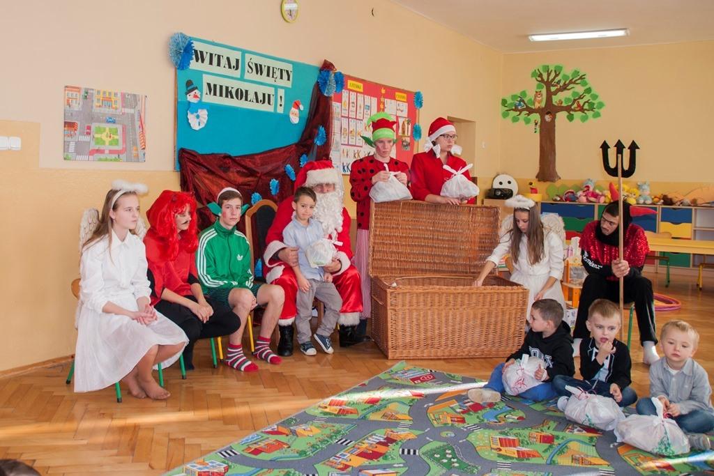 Szkoła w Górkach mikołajki 2016